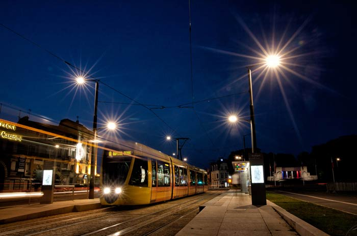 The tram of Rheims, its speed, its colours, its transparancy.
